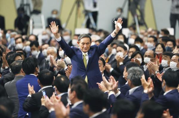 스가 요시히데 일본 관방장관