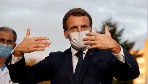 파리 근교 병원을 방문한 에마뉘엘 마크롱 프랑스 대통령